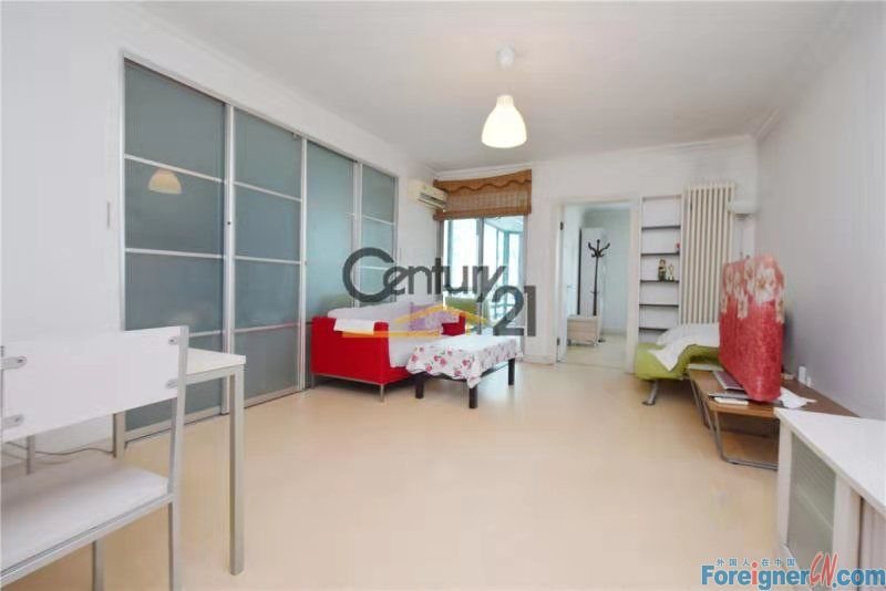 【LANDSCAPE, 2BR HOUSE RENTING】a good situation 88m2 2br house with a balcony, price 9,000RMB per month