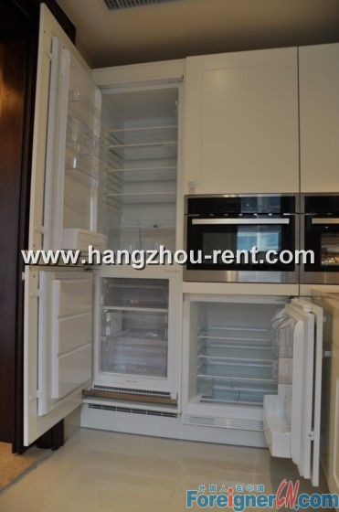 City Center Modern Apartment for Rent in Hangzhou